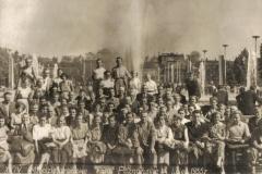 Zdjęcie przedstawia pracowników Agromy podczas 24 Międzynarodowych Targów Poznańskich 07.1955A46-8900005