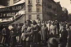 Pracownicy Agromy podczas pochodu 1 majowego 1957 roku