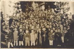Tradycyjna choinka dla dzieci pracowników Agromy A46-8900007